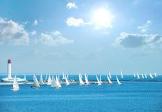 Jachten in de regatta royalty-vrije stock afbeelding
