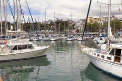 Jachten in de zeehaven van Funchal, het eiland dat van Madera worden vastgelegd stock afbeeldingen