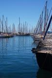 Jachten en boten in de haven Stock Afbeelding