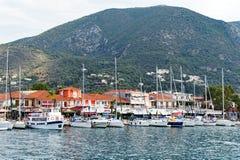 Jachten in Nidri, het Griekse Eiland van Lefkada, Griekenland worden vastgelegd dat royalty-vrije stock fotografie