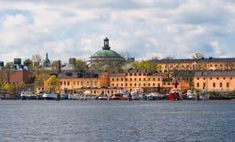 Jachten op de waterkant van Stockholm Royalty-vrije Stock Foto