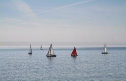 Jachten op zee. Stock Afbeeldingen