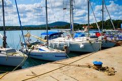 Jachten in Tsarevo haven, Bulgarije stock fotografie