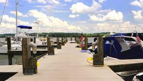 Jachthafen-Docks Stockfotografie