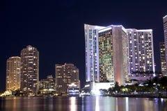 Jachthafen Miami-Bayside nachts stockbilder
