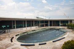 Jachthafen-Schwall-Pumpen-Haus stockfoto