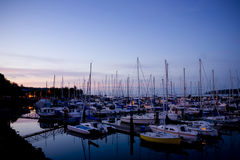 Jachthafen-Sonnenuntergang Stockfotos