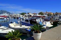 Jachthafen und alte Stadt Budva Stockfoto