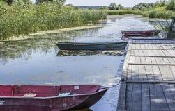 Jachthafen und Boot Lizenzfreie Stockbilder