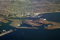 Jachthafen und Ladungterminal lizenzfreies stockfoto
