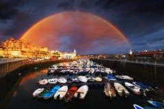 Jachthafen von Getxo mit Regenbogen lizenzfreies stockfoto