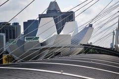 Jachthafenbuchtgebäude von einer Brücke in der Nähe lizenzfreies stockfoto