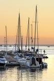Jachthafenpier bei Sonnenuntergang Lizenzfreies Stockfoto