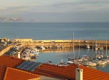 Jachthaven bij de Oude Haven van Heraklion in het Ochtendzonlicht, het Eiland van Kreta Stock Afbeelding