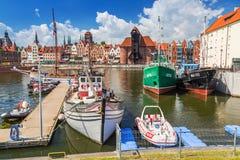 Jachthaven bij Motlawa-rivier in oude stad van Gdansk Royalty-vrije Stock Foto