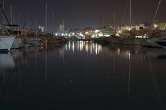 Jachthaven bij nacht in Gr Campello, Alicante, Spanje Stock Afbeeldingen