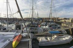 Jachthaven en haven in Corralejo royalty-vrije stock afbeeldingen