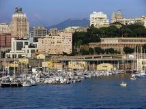 Jachthaven met jachtboten in de haven van Genua in Italië Stock Foto