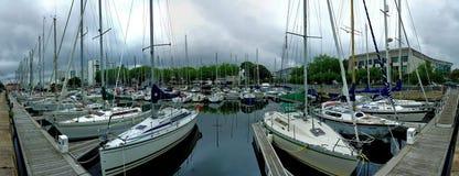 Jachthaven op een grijze dag Royalty-vrije Stock Afbeeldingen