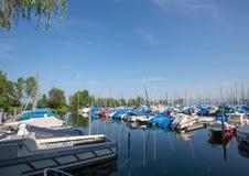 Jachthaven in Romanshorn in Zwitserland in het Meer van Konstanz Royalty-vrije Stock Foto's