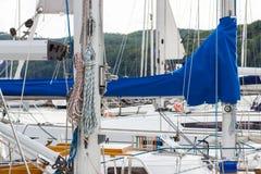 Jachting, części żaglówka w porcie żeglowanie Obrazy Royalty Free