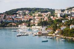 Jachtjachthaven door Dubrovnik Condominiums stock fotografie