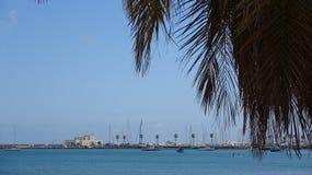 Jachtjachthaven in Portugal Jachten die buiten wachten royalty-vrije stock afbeelding