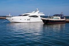Jachtu marina w schronieniu Obrazy Royalty Free