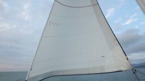 Jachtu rejs przy morzem, wodny odtwarzanie, przygoda duch, żaglówki kanwa, sport zdjęcie wideo