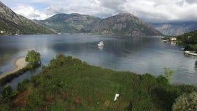 Jachty, łodzie, statki w zatoce Kotor zdjęcie wideo