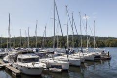 Jachty cumowali przy Boweness na Windermere, Jeziorny Windermere Obraz Royalty Free