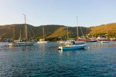 Jachty cumujący w schronieniu admiralicja trzymać na dystans Obraz Stock