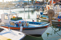 Jachty i łódź w porcie Zdjęcia Royalty Free