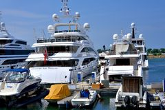 Jachty i łódź w schronieniu Hongkong złoty wybrzeże Fotografia Royalty Free