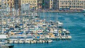 Jachty i łodzie cumowali w Starym porcie Marseille, timelapse poruszający naczynia zdjęcie wideo