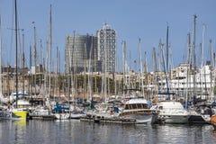 Jachty i żaglówki cumowali w Portowym Vell Barcelona Obraz Stock