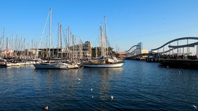 Jachty i bridżowy widok Zdjęcia Royalty Free