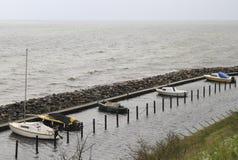 Jachty i ishing łodzie w schronieniu Dragor w Dani Obrazy Stock
