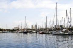 Jachty parkujący przy Portowym Vell w Barcelona Zdjęcia Royalty Free