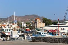 Jachty przy Aegina wyspą - Grecja Obrazy Royalty Free