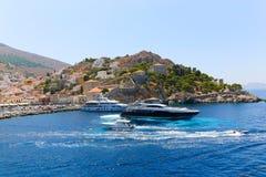 Jachty przy Aegina wyspą - Grecja Zdjęcie Royalty Free