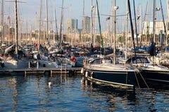 Jachty przy portem Barcelona Ukrywają przy zmierzchem, Hiszpania Obrazy Stock
