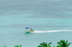 Jachty w pięknym błękitnym morzu karaibskim Obrazy Stock