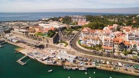 Jachty w schronieniu Cascais, Portugalia Widok z lotu ptaka marina Zdjęcia Royalty Free