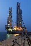 Jack επάνω στην εγκατάσταση γεώτρησης γεώτρησης πετρελαίου Στοκ Φωτογραφία