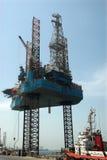 Jack επάνω στη πλατφόρμα άντλησης πετρελαίου στα Ε.Α.Ε. Στοκ φωτογραφία με δικαίωμα ελεύθερης χρήσης