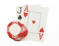 Jack και κάρτες χεριών άσσων blackjack με το τσιπ στο λευκό Στοκ εικόνα με δικαίωμα ελεύθερης χρήσης