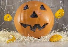 Jack-Laterne für Halloween eines Basketballs stockfotos