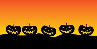 Jack o ` lampion w posępnie krajobrazie typowym dla okresu Halloween royalty ilustracja