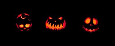 Jack-o-lanternes fantasmagoriques dehors photographie stock